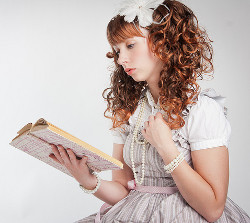 Hika in Sweet Lolita - reading (Carsten Tolkmit)